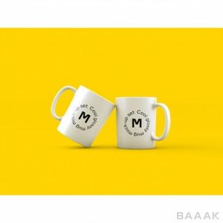 پس زمینه پرکاربرد Two mugs yellow background mock up
