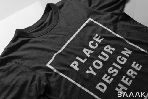 موکاپ تی شرت شیک مشکی به همراه طراحی در وسط