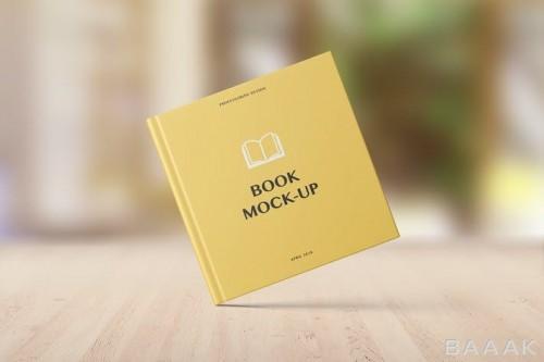 موکاپ کاور کتاب مربعی زرد رنگ