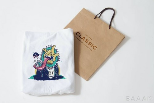 موکاپ تیشرت به همراه ساک خرید کاغذی