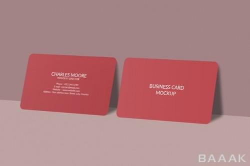 موکاپ کارت ویزیت قرمز رنگ با گوشه های گرد